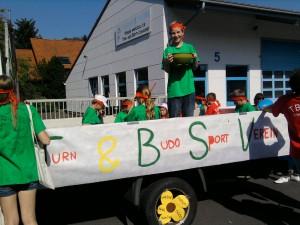 2012 - Der festlich geschmückte Wagen